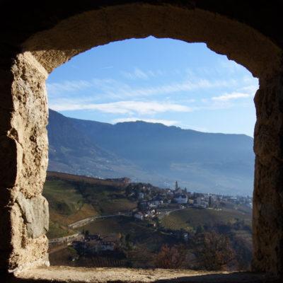 Castel Tirolo - veduta finestra camminamento