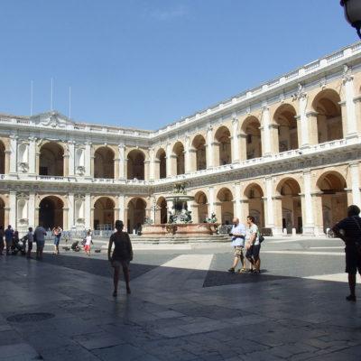 Santuario di Loreto piazza