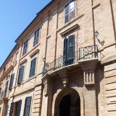 Palazzo Leopardi portone