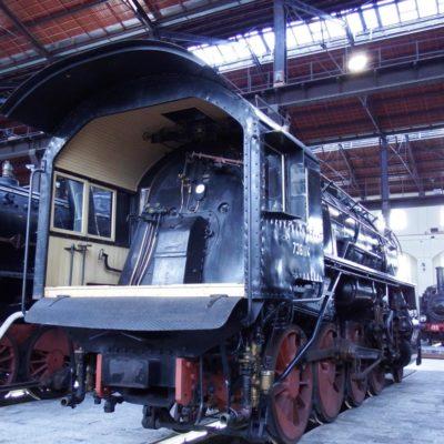 retro locomotiva pietrarsa