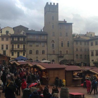 Mercatini piazza Grande Arezzo 0