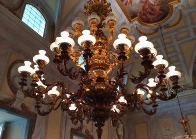 particolare lampadario reggia di Caserta