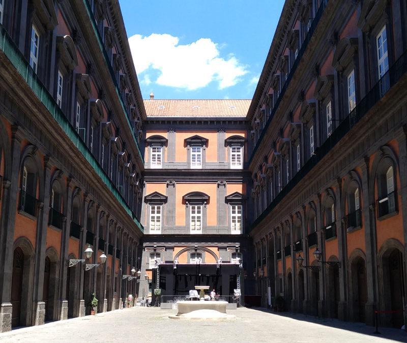 """Visita al Palazzo Reale di Napoli in occasione della mostra """"Totò Genio"""""""