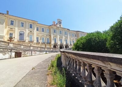 reggia di portici prospettiva facciata
